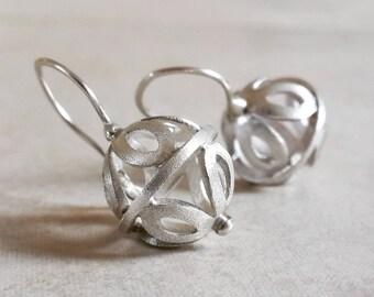 Earrings in Sterling Silver . Ornatis Earrings . Silver Ball Earrings . Dangle Earrings . Handcrafted Bead . Silver Flower Earrings