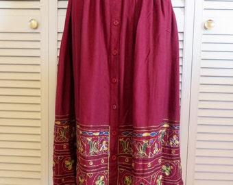 Vintage Embroidered Maxi Skirt S M Pockets Maroon Boho Hippie Gypsy Midi Club Kid Grunge Bohemian Hipster 90s India 70s Folk Art Festival