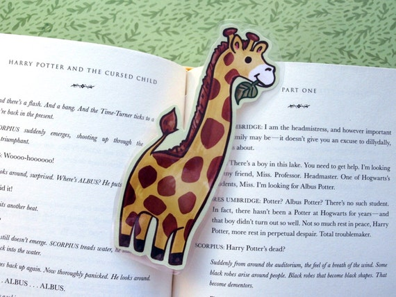 Giraffe Bookmark -  Animal Bookmark / Book Lover Gift / Cute Bookmark / Laminated Bookmark / Illustrated Kids Bookmark / Stocking Stuffer