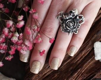 Silver Skull Ring, Rose Stud, Victorian Rose Ring, Steampunk, Statement Skull Ring, Gothic Skull Ring, Silver Gothic Ring, Punk Macabre Ring