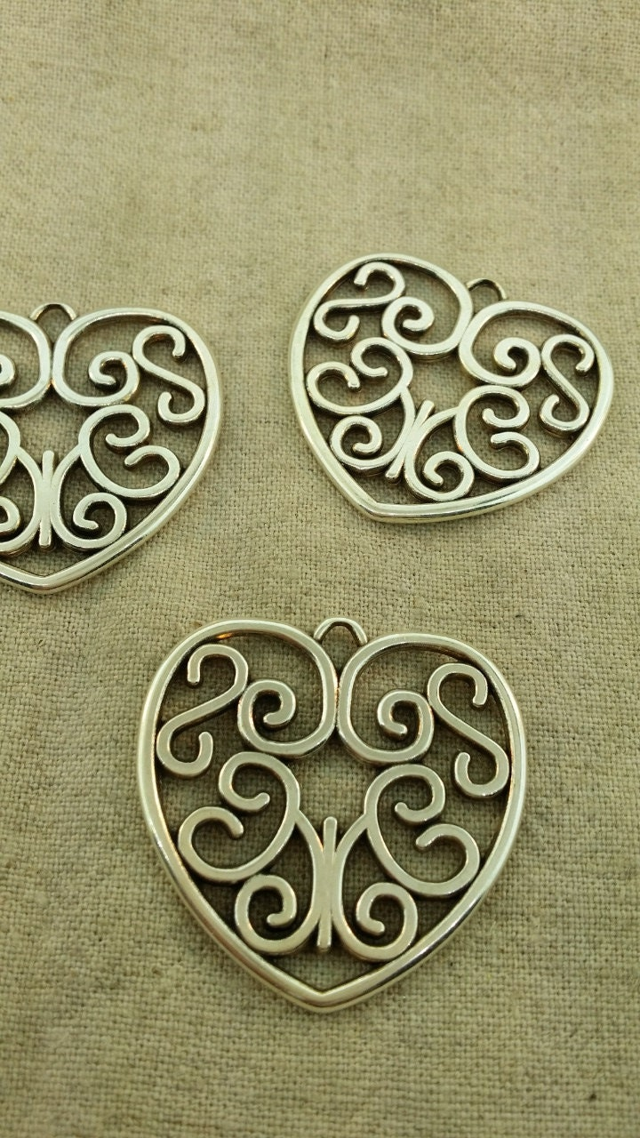 8 Mom Charms Antique Silver Tone Classic Heart Design SC2161