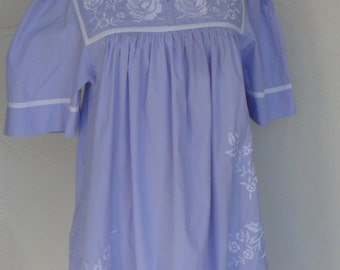 Vintage House Dress by Go Softly Patio Lavender Embroidered Size Small