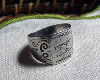 Vintage MOROCCAN Arabesque Floral Motif Silver Band Ring; Simple Geometric Symbols; Classic Tribal Unisex Designs; Protection Evil Eye.