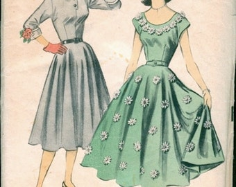 Pretty Unused Vintage 1950s Advance 5846 Full Skirted Scoop Neck or Button Front Dress Sewing Pattern B33