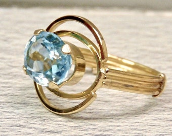 Sale! Blue Topaz Ring in 18K Yellow Gold, Vintage Custom Made Ring, 2.50 Carats, December Birthstone