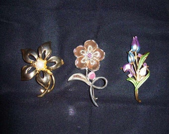 Vintage Flower Brooch Pins Silver & Gold All 3 Only 6 USD