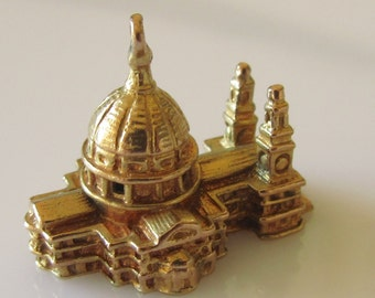 Gold St Pauls Cathedral London Charm Dated 1958.