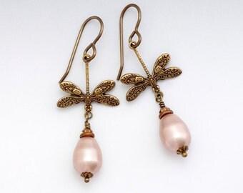 Beige Pearl Earrings Dangle, Hypoallergenic Earrings, Champagne Pearl Jewelry, Pearl Dragonfly Earrings Drop, Brass Dragonfly Jewelry, Femie