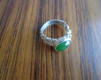 Jade ring .925 silver.