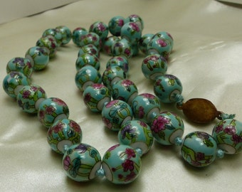 """Chinese hand painted bead Necklace w chinese clasp - 3 ounces, 10 grams-24"""" long -15mm beads 1857"""