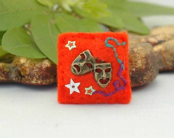 theatre masks pin, drama teacher gift, stage lover, thespian gift, gift for actress, orange felt brooch, mini pin, the arts, comedy tragedy
