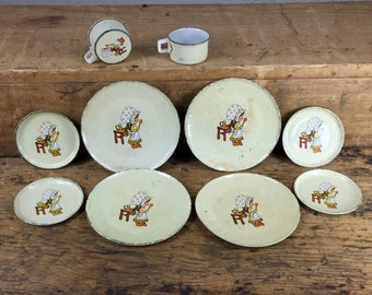 10 Piece Vintage Toy Dishes Child Metal Plates Holly Hobbie Hobby Style
