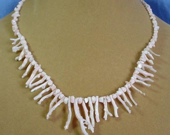 """Vintage 16-1/2"""" Coral Necklace from Hawaii - VN037"""