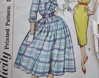 1950s Simplicity 2580/ Full Skirt Dress / Slim Skirt Dress / Rockabilly 50s Dress /Vintage Sewing Pattern / Size 12 Bust 32