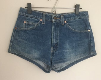 Vintage Levis 505 Jean Shorts Hot Pants