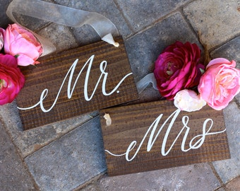 Mr and Mrs Signs, Wedding Chair Signs, Wooden Wedding Sign, Photo Prop Signs, Wedding Gift, Bride and Groom, Sweetheart Table
