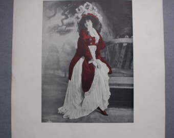 Scarce Original Print of Parisian Vaudeville Performer/Actress Monna Delza from the 1912 Dashing Stage Beauties of the World