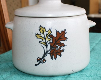 Vintage Cookie Jar/Bean Pot with Acorns & Oak Leaves