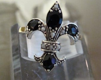 Classic Sterling Onyx & Seed Pearl Fleur De Lis Ring Size 6.75