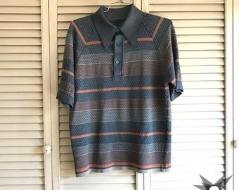 Vintage 1960's/70's Blue and Peach Striped Short Sleeve Textured Embossed Collared Polo Size Men's Small