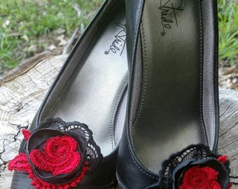 Red and Black Flower Rose Shoe Clips