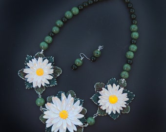 Daisies in my garden/ necklace and earrings set