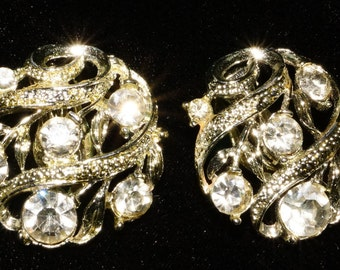 Mid Century Rhinestone Clip On Lisner Earrings Vintage Retro