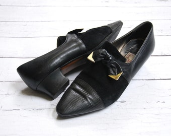 1980's black leather and suede slip on shoes with bows • size 9