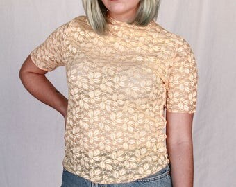 90s vintage. Yellow. Pastel. Lace. Crop top. SMALL