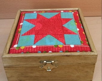 Mssief wooden box lined and coated with star quiltje