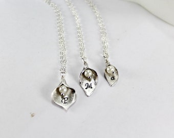 Personalized Grandmother mother daughter necklace set, 3 Generations necklace set,Silver Initial Calla Lily Necklace,matching necklace set