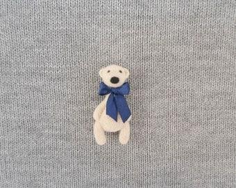 White Bear Pin Brooch, Needle felt polar bear, Teddy bear with bow, Animal brooch, Kids brooch, Bear jewelry, Collectible brooch gift idea