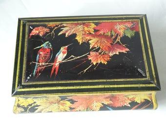 Vintage Tin, Bird Decorated Tin, Hummingbird, Bee Eater Bird