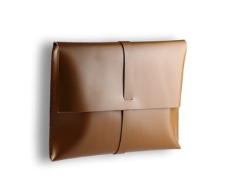 Smooth Macbook Case #toxleather   Leather clutch   Handmade macbook sleeve   caramel color