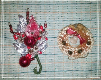 Vintage Christmas Bottle Brush Tree Pin & Wreath Ornament Ornie lot