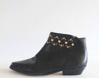 Amazing 80's Vintage Black Leather Liz Claiborn Pointed Toe Witchy Ankle Booties