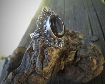 Black ring, black onyx ring,womens black ring, size 8 onyx ring, gothic ring, gothic black jewelry, oval lace edged ring, goth black ring