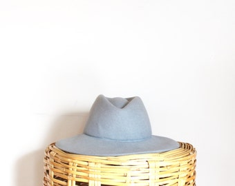 vtg Light Grey Felt Hat // wide brim fedora // Doeskin Felt hat
