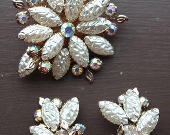 Vintage 50s 60s Aurora Borealis Rhinestone Clip Earring Brooch Set