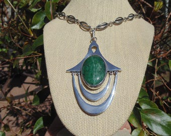 Arte En Plata - Large Vintage Mexican Sterling Silver Green Stone Pendant Necklace with Unique Link - 108 Grams