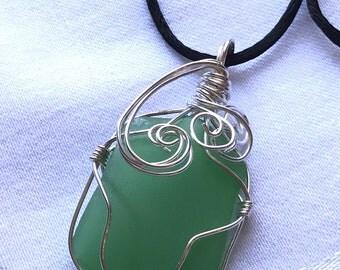 Delaware Sea Glass Pendant / Kelley Green / Genuine Beach Glass / Sterling Silver / Wire Wrapped / Beachy / Gift Idea