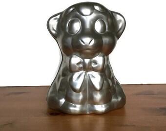 Wilton jello or cake mold vintage bear cub aluminum baking pan