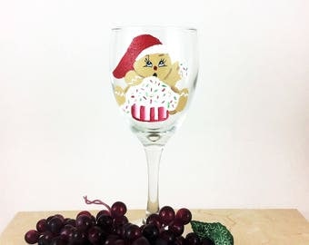 Christmas Wine Glass, Holiday Wine Glasses, Painted Wine Glasses, Christmas Decor, Holiday Party, Christmas Party, Christmas Gift, Wine gift