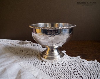 Vintage Silver plated pedestal bowl, engraved tazza, English, sugar bow/ plant pot,decorative silver plate,classical table setting,