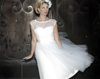 Polka Dot Retro Wedding Dress - Short Wedding Dress - Pinup Bride - Elopement Wedding Dress