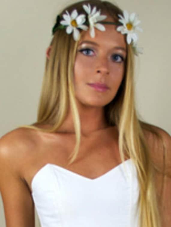Hippie 70s Flower Child White Daisy Flower Headpiece Headband