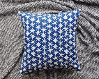 Blue Cushion Cover, Throw Pillow Cover, Throw Cushion Cover, Decorative Cushion Cover, Decorative Pillow Cover - Snowflakes