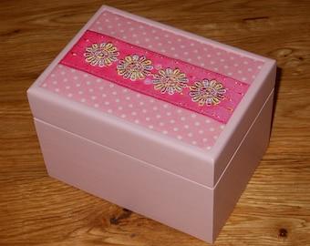 Jewellery box/trinket/keepsake box/girls/pink/accessory box
