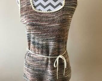 Cute vintage 70s sleeveless knit summer top