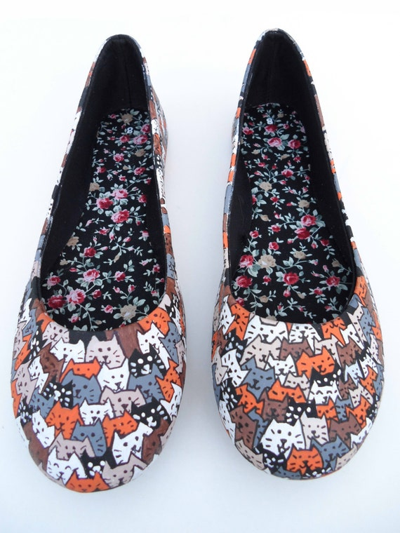 Cute Cat Pattern Hand-Painted Shoes